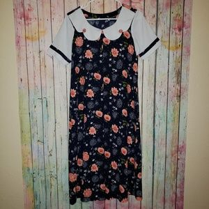 Vintage floral dress with collar